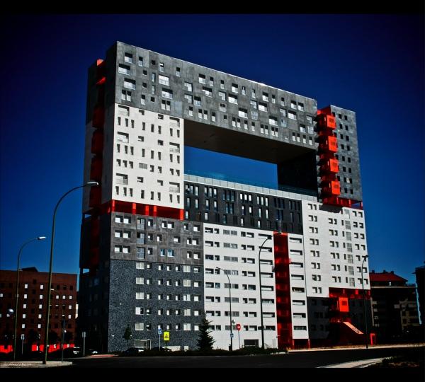 strange-building-6