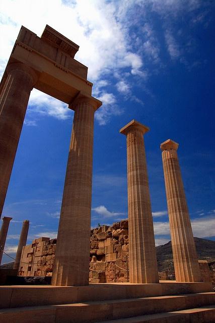 Acropolis-of-Lindos